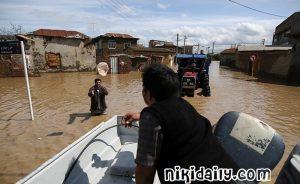 کمک رسانی هلال احمر به مناطق سیل زده مازندران