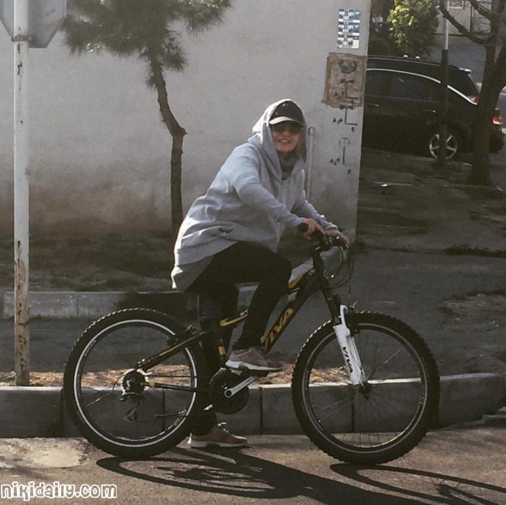 دوچرخه سواری مهناز افشار ،bicycle mahnaz afshar