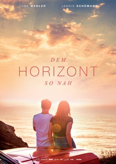 دانلود فیلم Close to the Horizon نزدیک به افق 2019